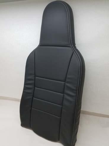 RV-10 highback covered